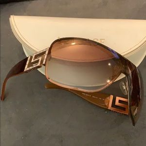 Gorgeous Versace shield style sunglasses